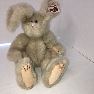 """Ty Rabbit """"Sidney"""" NWT super cuddly soft pose able"""